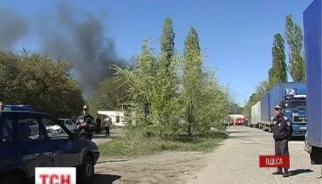 В Одессе из-за пожара едва не произошел мощный взрыв