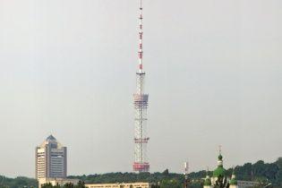 У Києві палають кабелі у тунелі телевежі