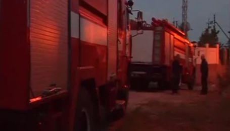 Невідомі в камуфляжі обстріляли машину та підпалили будинок сусіда Царьова