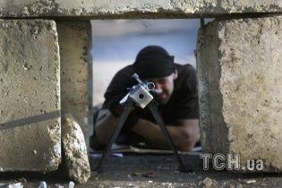 У Свердловську на даху Палацу культури сидять снайпери-терористи