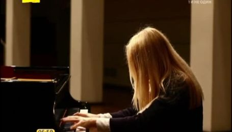 Українська піаністка на роликах в YouTube заробляє до 40 тисяч доларів