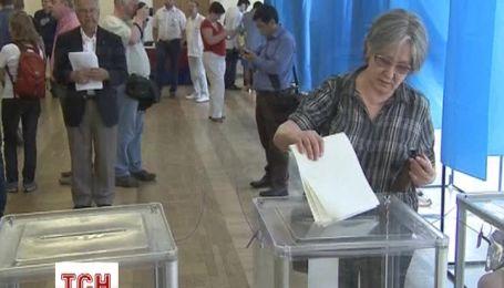 Киевляне активно голосуют на выборах президента
