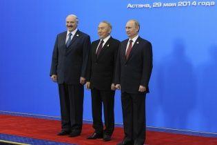 Білорусь і Казахстан не підтримали продуктові санкції Путіна проти Заходу