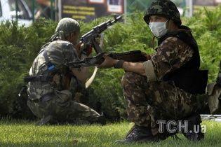 Из разбитого террористами гипермаркета в Донецке вывезли тела пятерых погибших