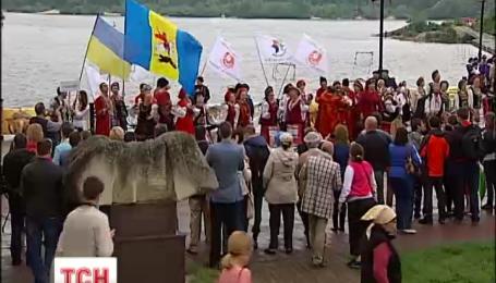 Представники понад 20 країн об'єдналися у Києві на підтримку України
