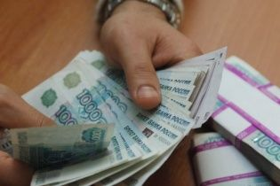 Яценюк і Порошенко своїми заявами обвалили російський рубль та акції найбільших підприємств РФ