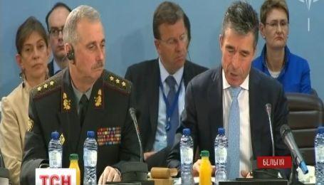 Країни НАТО обіцяють зміцнити співпрацю з Україною