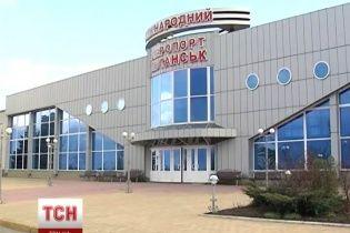 В Луганске боевики обесточили аэропорт и минируют дорогу - очевидцы