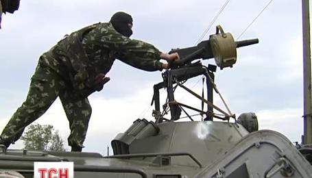 Терористи обстріляли два блокпости у зоні антитерористичної операції