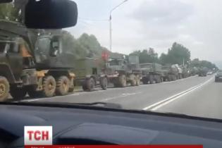 Российские военные движутся в сторону контролируемого террористами участка границы на Донбассе