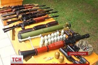 Военные АТО изъяли у террористов два беспилотника и арсенал оружия