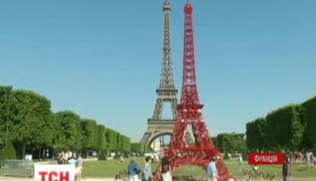 Во Франции появилась младшая сестра Эйфелевой башни