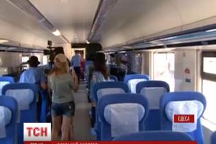 Між Одесою та Києвом почав курсувати швидкісний потяг з кінською назвою