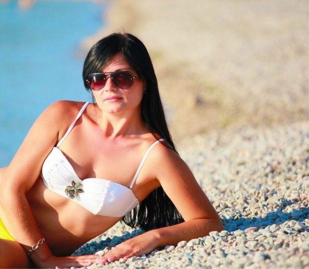 Жена главаря донецких террористов Пушилина постит в соцсетях фото с дочкой на море