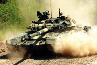 До кордону з Україною прибув ешелон з півсотнею російських танків