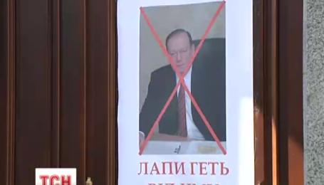 Колишній ректор медичного університету імені Богомольця через суд поновився на посаді
