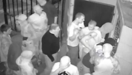 """Неизвестные напали на гей-клуб """"Помада"""