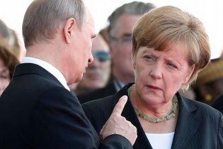 Меркель побрезговала встретиться с Путиным из-за его опоздания