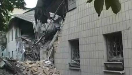 Под завалами дома в Снежном погибли четыре человека