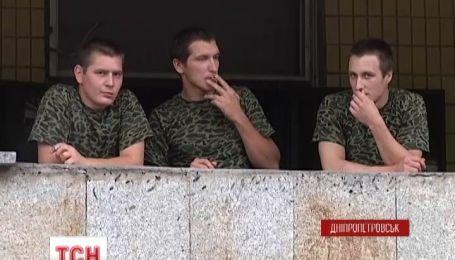Чотирьох контрактників визволили з 28-денного полону терористів