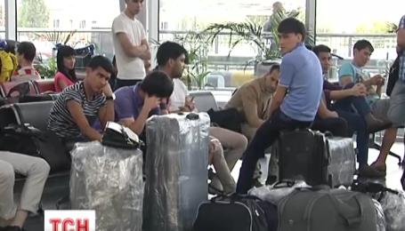 Російські та французька авіакомпанії скасували польоти в Україну