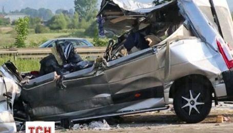 В Германии от столкновения автобусов погибли 9 человек