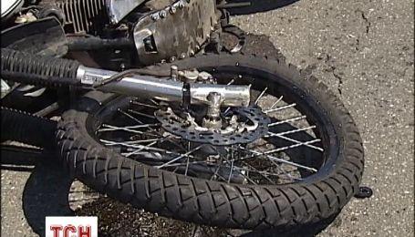 На мосту Патона у Києві загинув мотоцикліст
