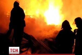 Києвом прокотилася підозріла хвиля масштабних пожеж