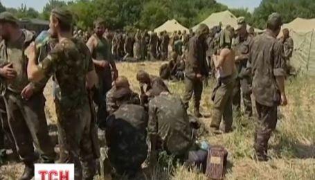 Террористы обстреляли колонну украинских военных 72 бригады