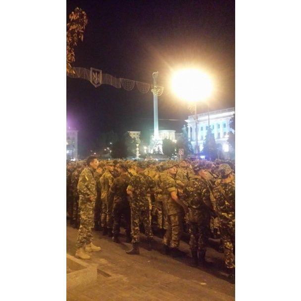 Бронетехника на Крещатике: в Киеве прошла репетиция военного парада