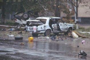 У Шостці під носом у міліції підірвали два службові авто