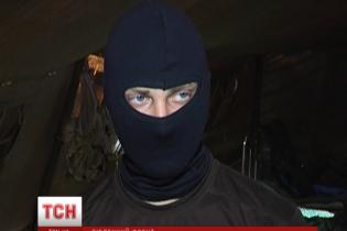 Бійці АТО спростовують офіційно оголошений контроль над Новоазовськом
