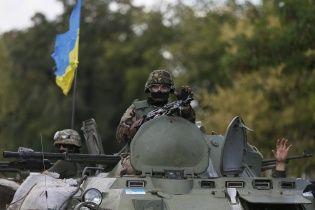 Українські військові відходять на нові позиції, а ворог активно нарощує силу. Мапа АТО