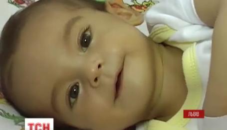 Маленькому мальчику Саше необходима срочная пересадка печени