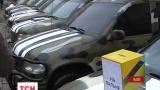 Зі Львова на фронт відправили десять автомобілів