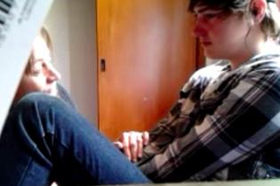 Хоробрий підліток-гей, який зізнався про свою орієнтацію, був шокований одкровенням матері