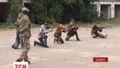 Первые двадцать красавиц из Одесской области вступили в территориальный батальон