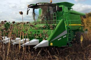 Бойовики масово крадуть урожай на Донбасі та вивозять його в Росію