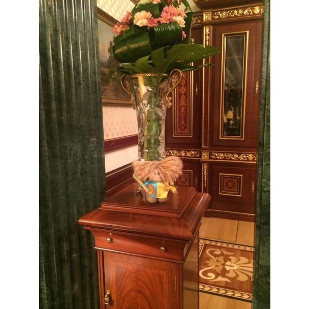 """""""Киборги""""  передали Порошенко сувенир, который он поставил у себя в кабинете"""