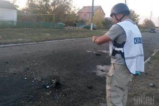 Людей на похоронах в Сартане под Мариуполем убило снарядом с иностранной маркировкой