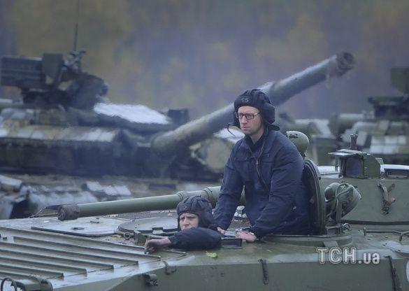Яценюк на Яворівському полігоні_2