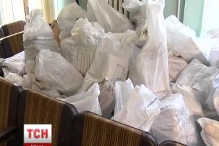 У Новомосковську кремезні чоловіки ломилися до квартири члена ОВК № 38