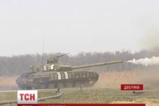 Военные под Мариуполем танками отбили атаку сепаратистов