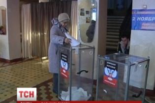 """Журналісту ТСН вдалося """"проголосувати"""" на псевдовиборах на Донбасі під дулами автоматів бойовиків"""