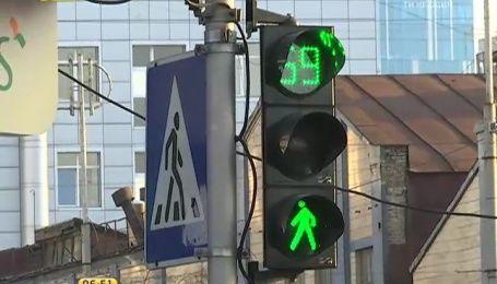 Киевская власть решила заменить светофоры на ручные