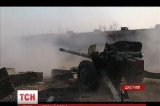 Боевики третий день подряд агрессивно отчаянно атакуют Донецкий аэропорт и Пески