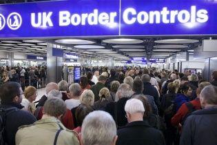 Великобритания страдает из-за рекордного наплыва мигрантов из Румынии и Болгарии