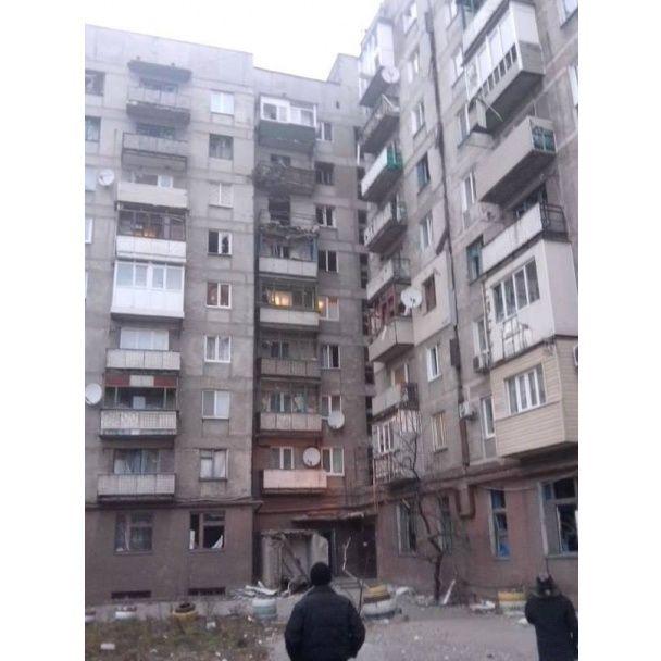 Під запеклими обстрілом бойовиків загинули щонайменше дев'ять мирних жителів