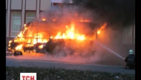 В Сумах во время движения загорелась маршрутка