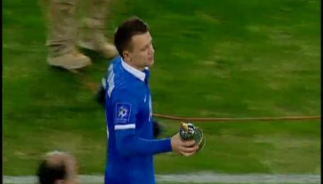 Коноплянка получил награду лучшего игрока сезона 2013/14